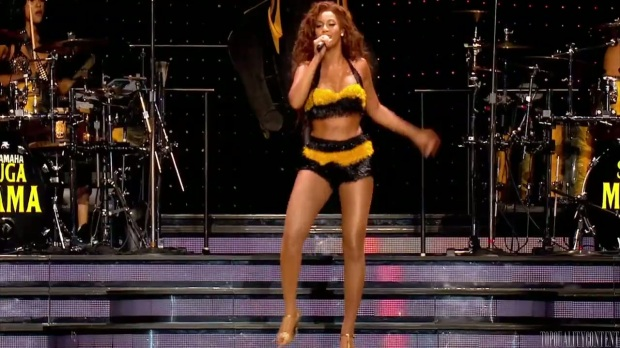 Beyonc_preforms__Get_Me_Bodied__The_Beyonc_Experience_Live_HD_720p_www.keepvid.com_109