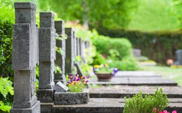 grave_article-small_56766